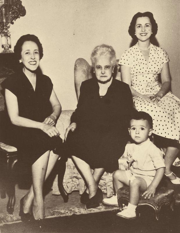 Doña Lucilia cumple 80 años…   luciliacorreadeoliveira