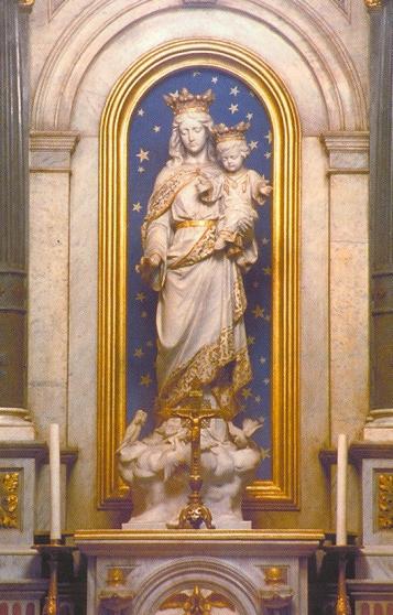 Nuestra Señora Auxiliadora, venerada en la iglesia del Sagrado Corazón de Jesús de los Padres Salesianos
