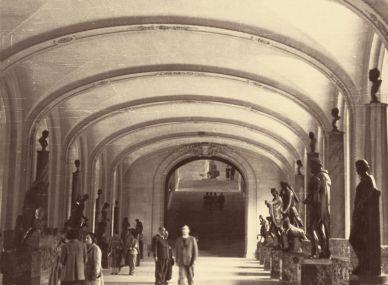 Dr. Plinio visitando Louvre